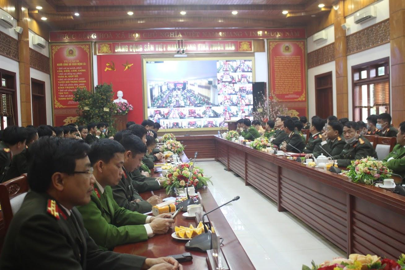 Buổi gặp mặt được tổ chức trực tuyến tại các điểm cầu Công an các đơn vị, địa phương