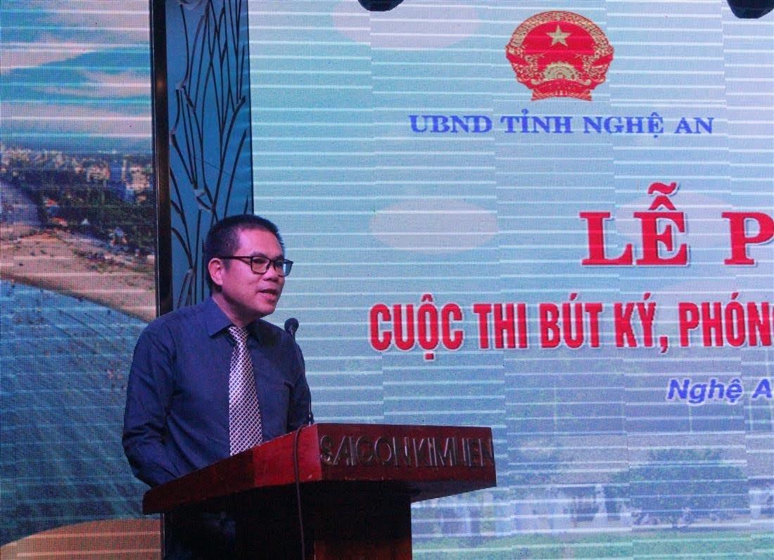 Nhà báo Lâm Chí Công - Trưởng Văn phòng đại diện Báo Lao động khu vực Bắc Trung Bộ phát động cuộc thi
