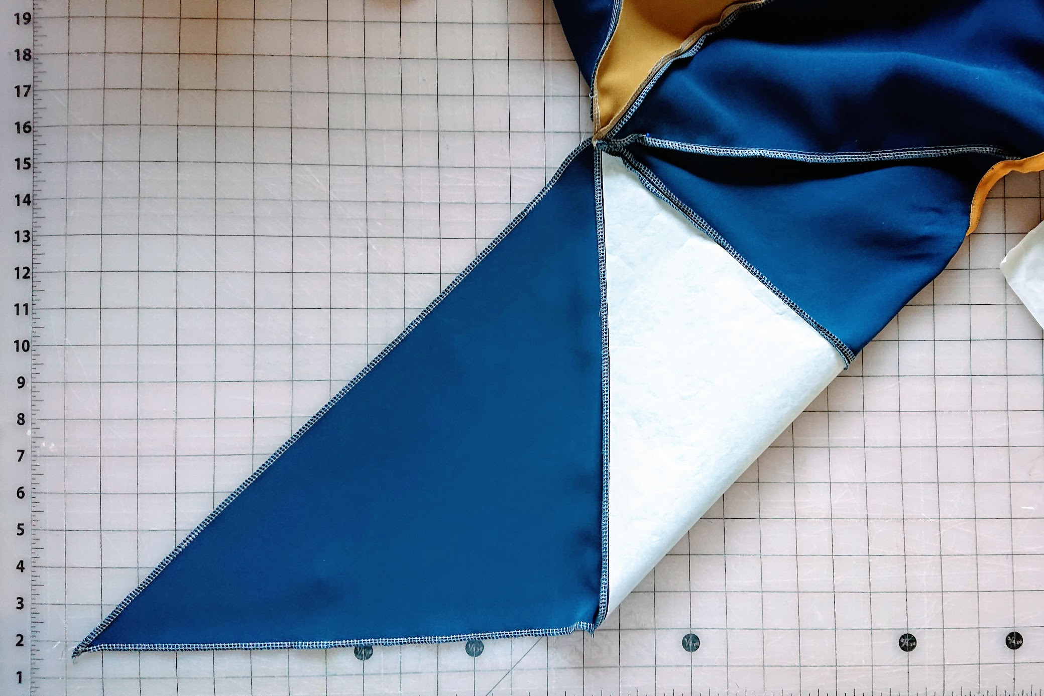 Finishing the left sleeve of 6-Square Origami Top | FAFAFOOM STUDIO