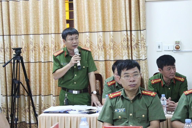 Đồng chí Trung tá Hoàng Nghĩa Tú - Phó Trưởng Công an huyện Quỳ Hợp phát biểu tại buổi làm việc.
