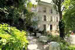 エミリー、パリへ行く Rencontre avec Olivier Hôtel Particulier Montmartre