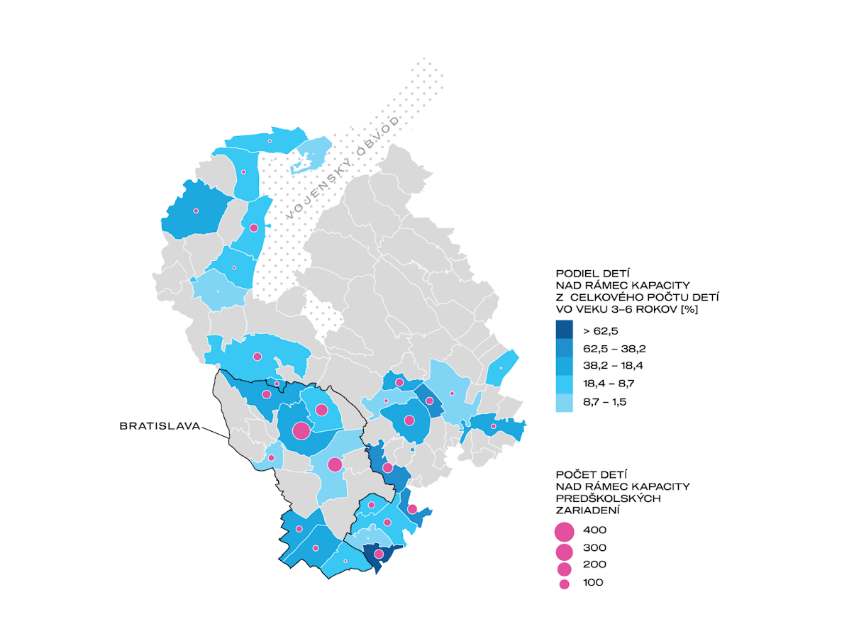 Obr. 4. Počet a podiel detí nad rámec kapacity predškolských zariadení v obciach Bratislavského kraja. Sivou farbou sú vyznačené obce, v ktorých je súčasná kapacita vrátane zariadení mimo Siete dostatočná. Zdroj údajov: CVTI 2020, vlastný prieskum.