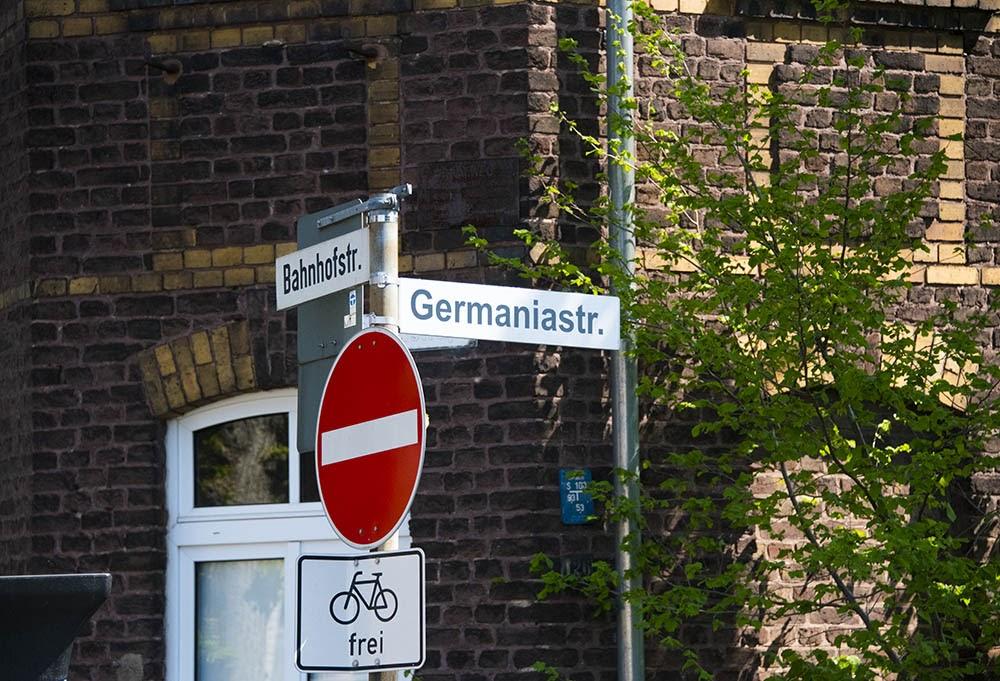 Перекресток Bahnhofsstraße / Germanistraße