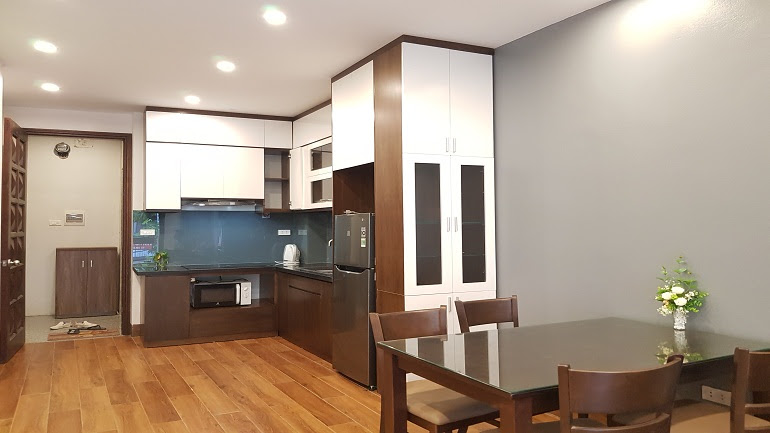 Modern 2 – bedroom apartment with balcony in Au Co street, Tay Ho district for rent