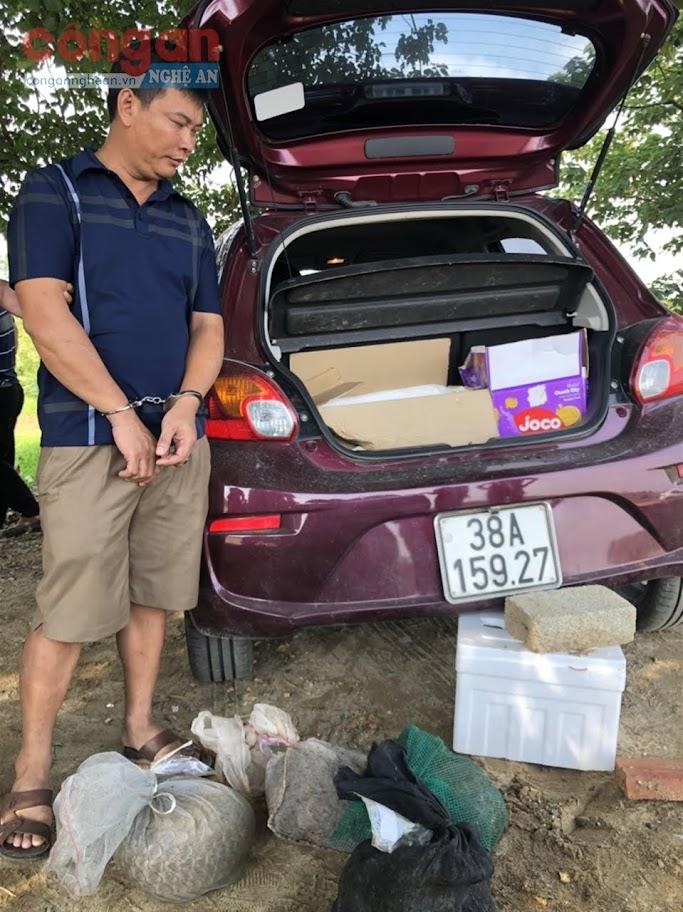 Đối tượng Nguyễn  Đình Sỹ và tang vật  bị thu giữ