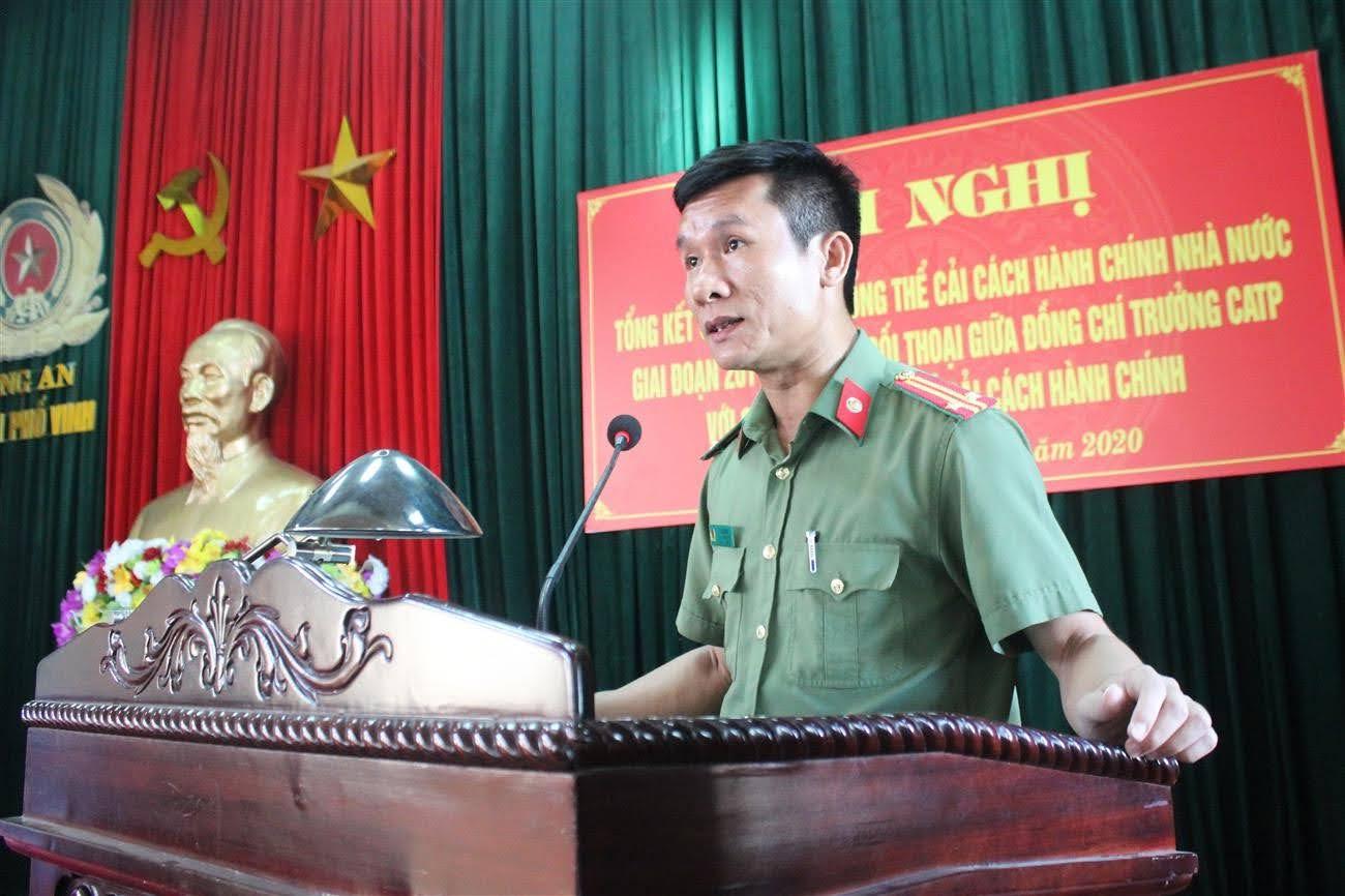 Đồng chí Trung tá Lê Đức Dũng - Phó Trưởng Công an TP Vinh phát biểu  khai mạc Hội nghị