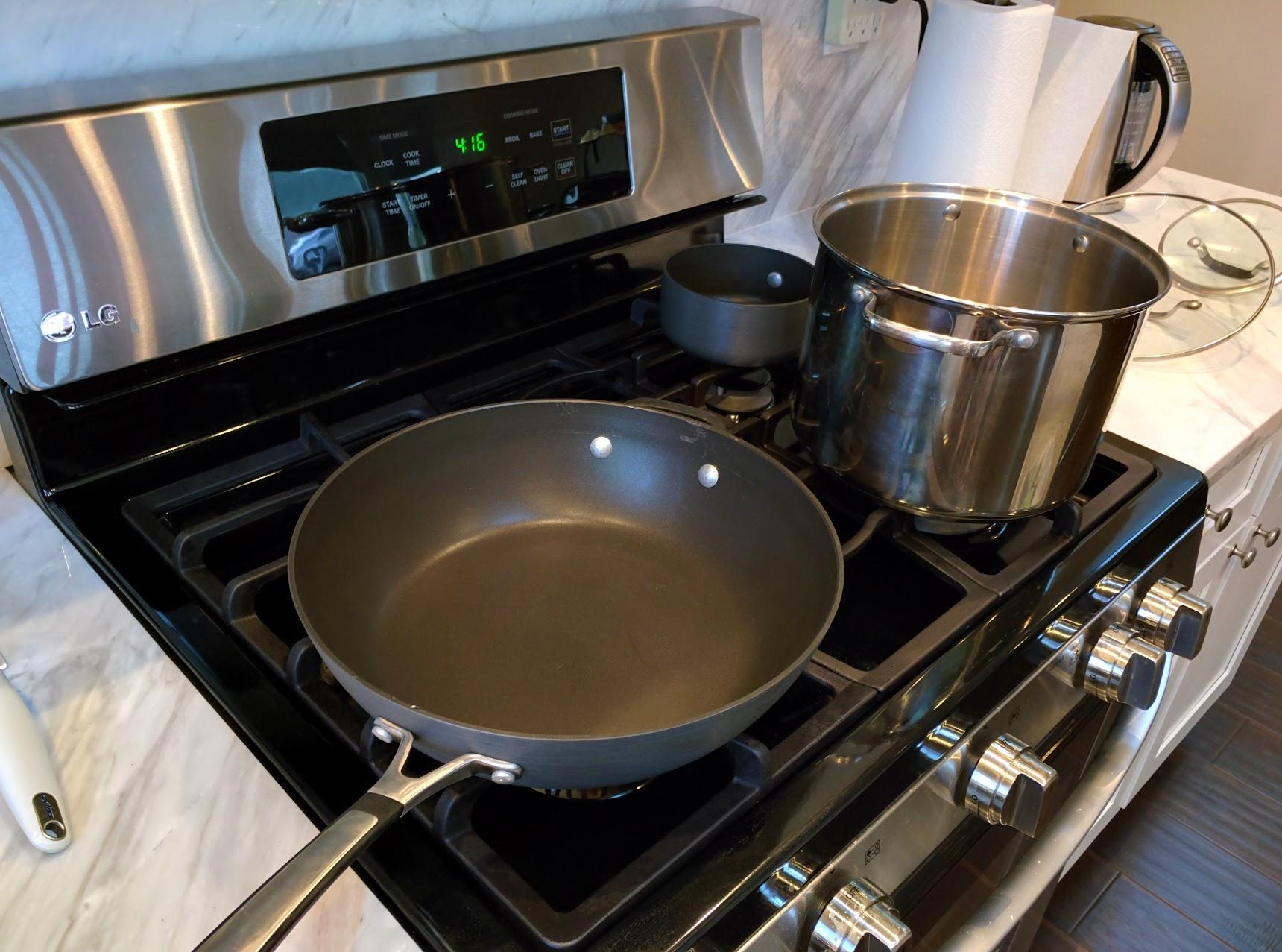 Wok, pot, small pot