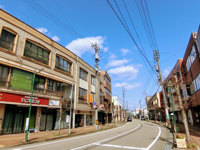 石動町の再開発ビル