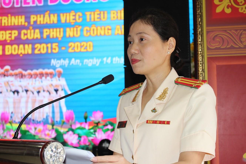 Đồng chí Trung tá Nguyễn Việt Hà, Chủ tịch Hội Phụ nữ Công an tỉnh, bày tỏ lời cảm ơn sâu sắc đối với sự chỉ đạo sát sao, tạo điều kiện về mọi mặt của Đảng ủy, Lãnh đạo
