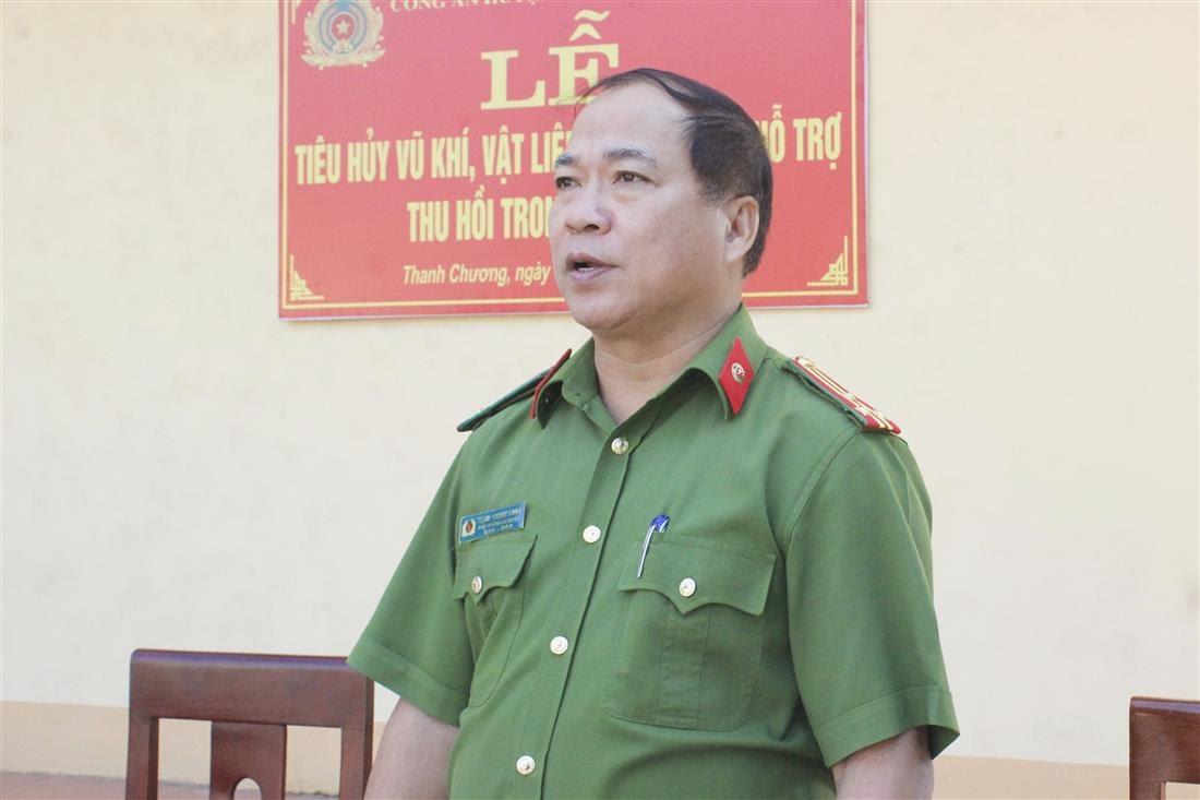 Đồng chí Thượng tá Trịnh Thanh Long – Phó Trưởng Công an huyện Thanh Chương phát biểu tại lễ tiêu hủy VK-VLN-CCHT