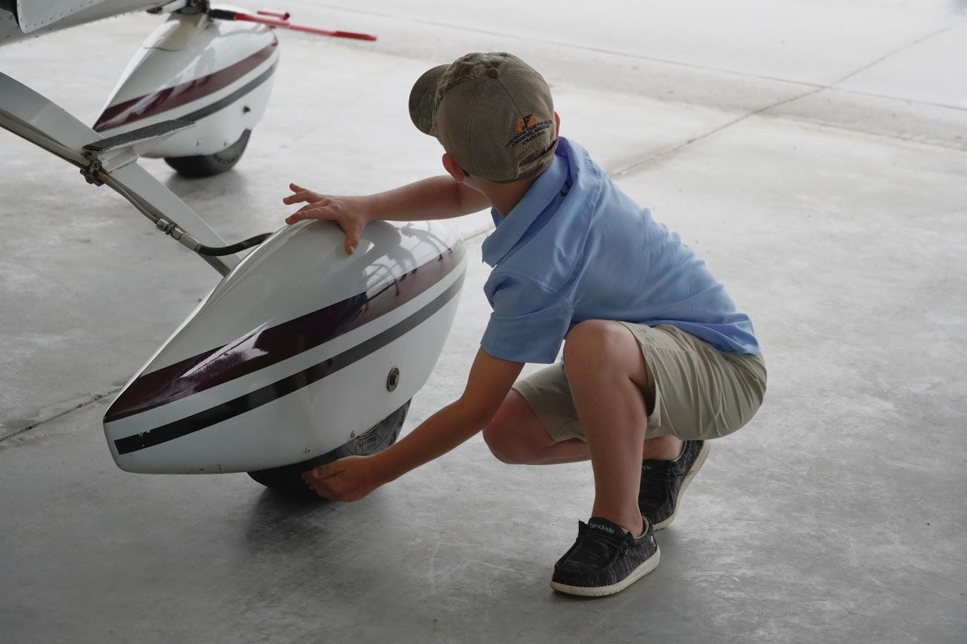 Checking Tire during preflight
