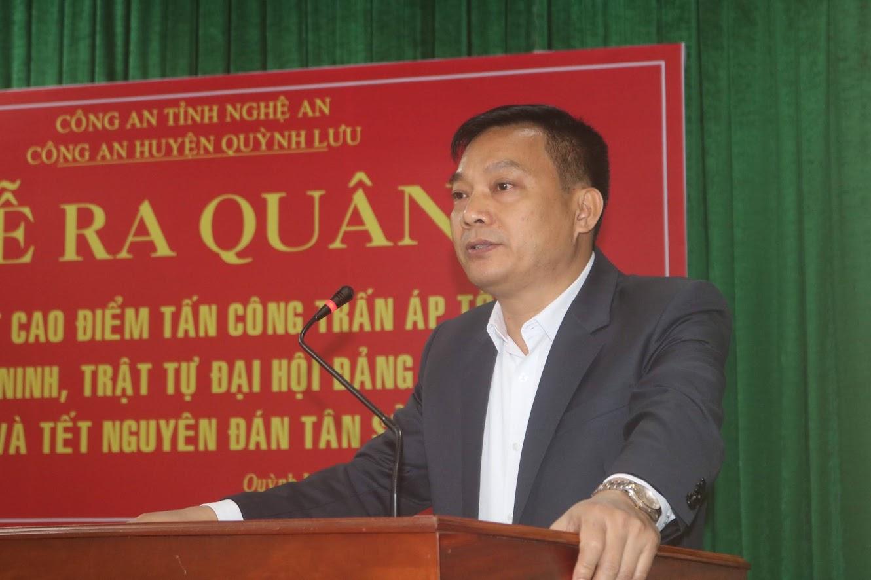 Đồng chí Lê Xuân Kiên, Phó Bí thư Thường trực Huyện ủy phát biểu tại buổi lễ