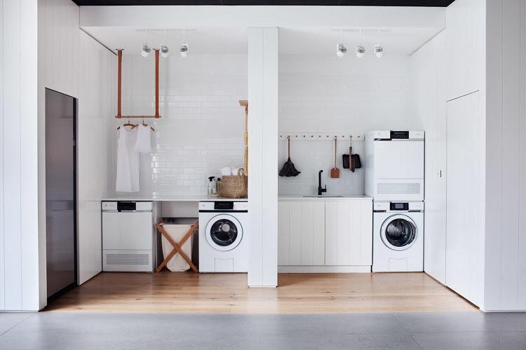 không nên chọn đặt máy giặt ở phía tường bên phải của nhà ở