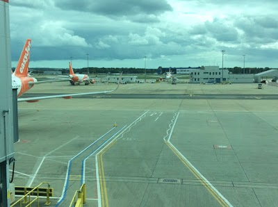 Gatwick under a grey sky. Come to Madeira. Covid test included.
