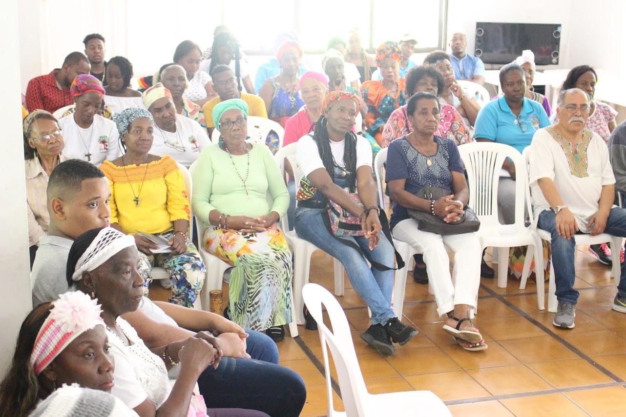Participantes del Asamblea Arquidiocesana de Pastoral Afro 2019 en Villa Laura Montoya Upegui en el sur de Jamundí durante una de las ponencias.
