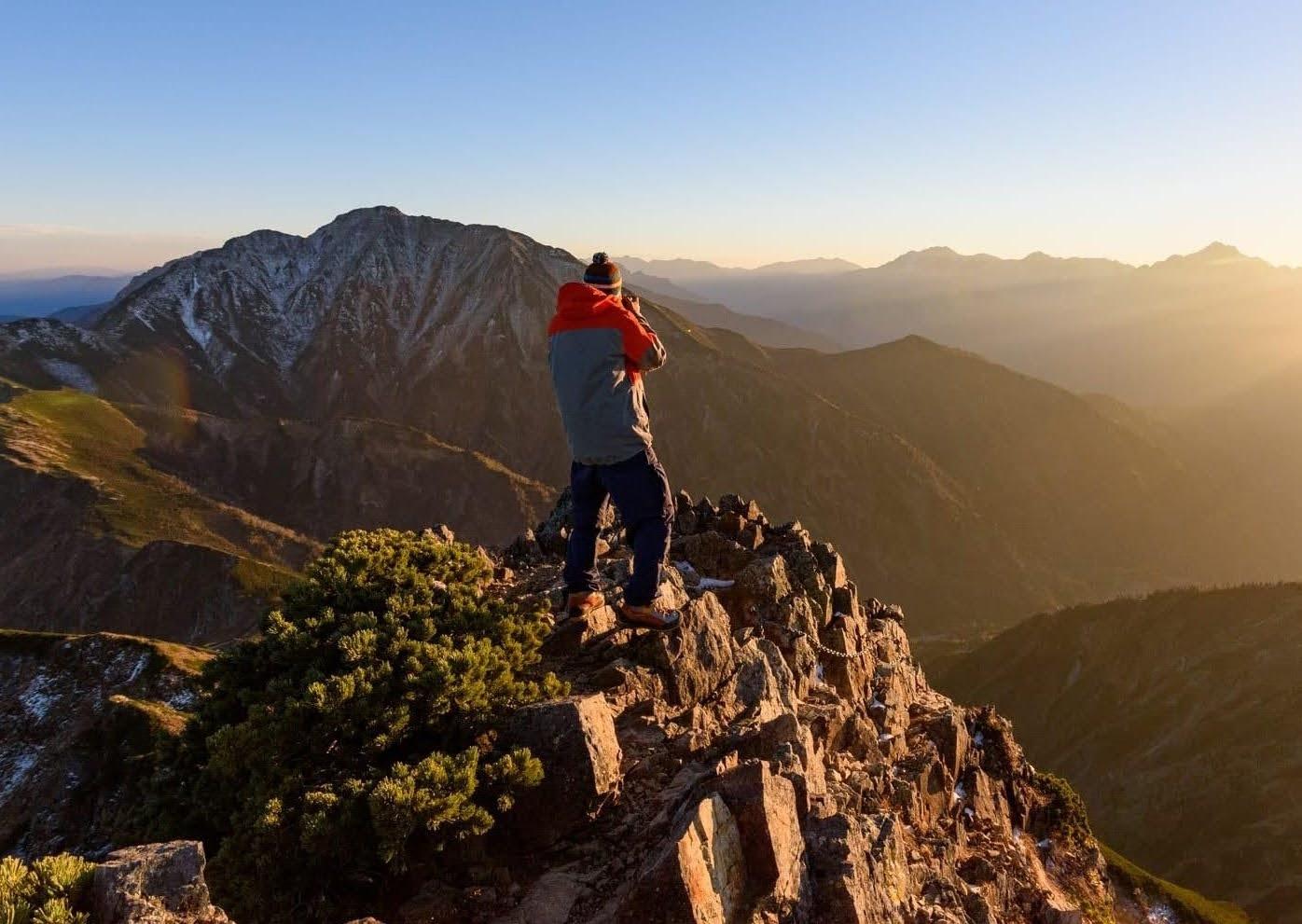 秋(9月~10月)に北アルプスでテント泊登山する時の装備と注意点