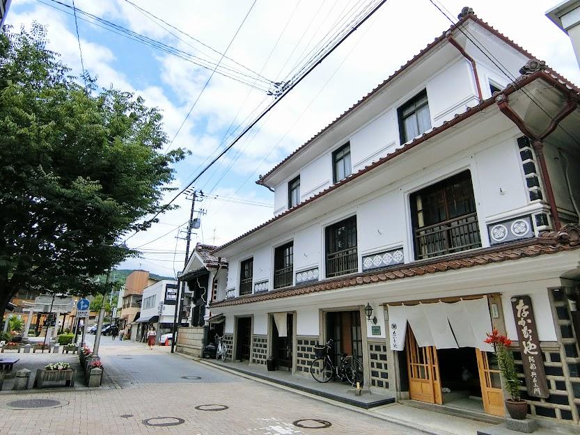 多様な時代の旅館が集積する『飯坂温泉』