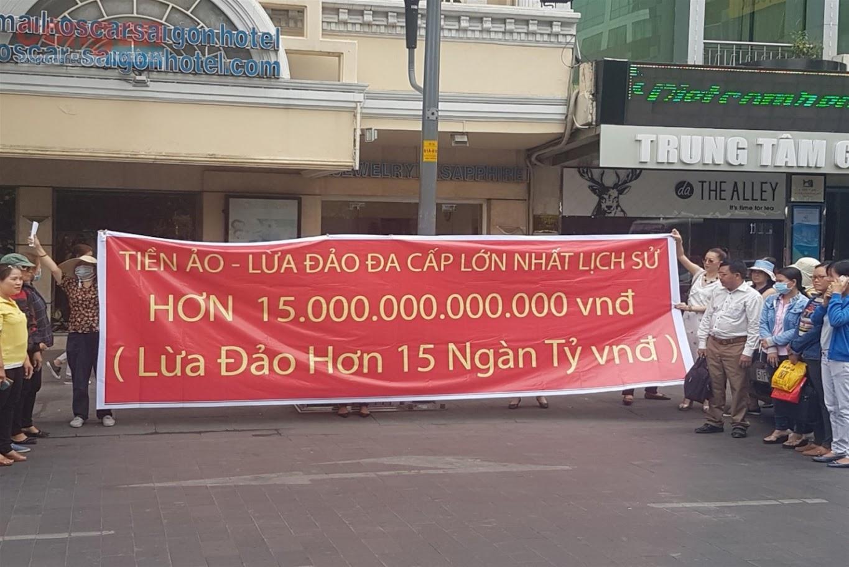 """Đường dây """"tiền ảo"""" lừa 32.000 nhà đầu tư bị vỡ lở mang tên iFan, Pincoin gây hoang mang dư luận"""
