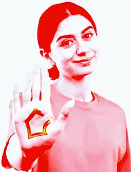 Frau zeigt Handfläche mit stilisiertem Haus (Mietenstopp-Logo).