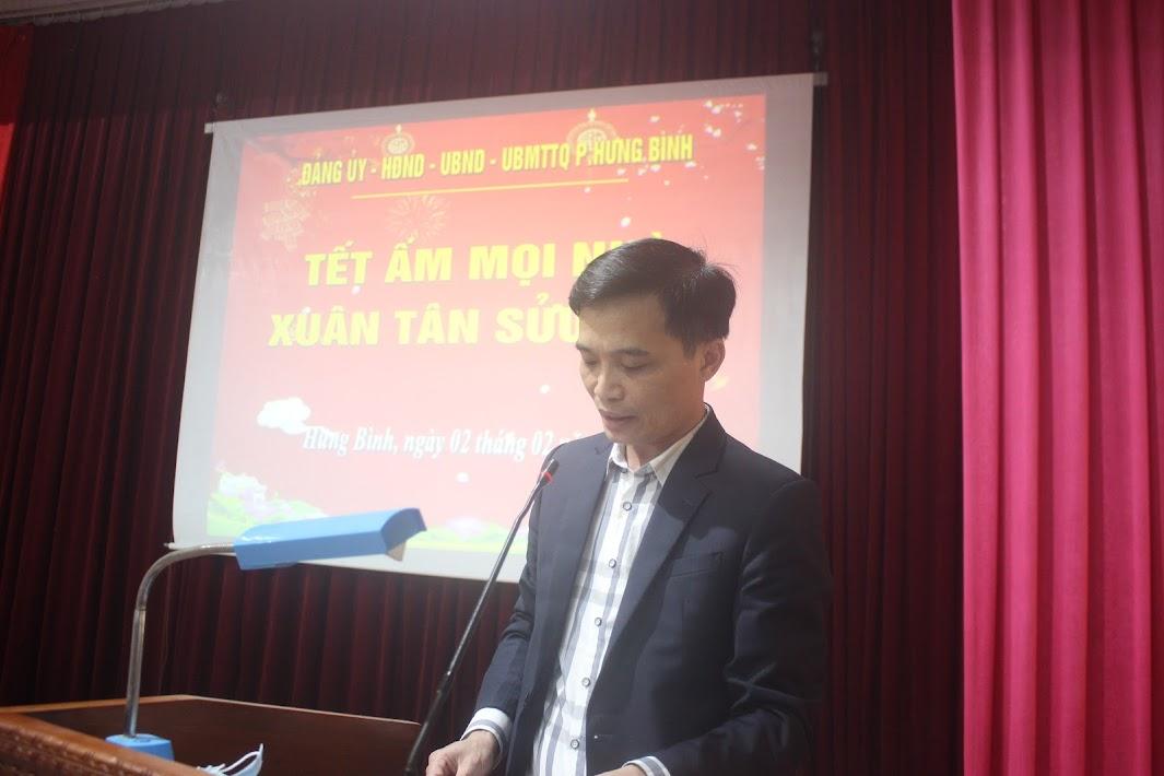 Đồng chí Phan Thanh Sơn, Chủ tịch UBND phường Hưng Bình phát biểu khai mạc chương trình.