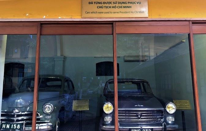 Trong số những chiếc xe ô tô từng được sử dụng để phục vụ Bác, có 3 chiếc đang được trưng bày trong Khu di tích Chủ tịch Hồ Chí Minh.