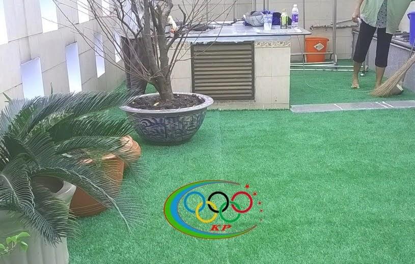 Thảm cỏ nhựa giúp Nơi làm việc tại cơ sở thời trang đẹp xinh