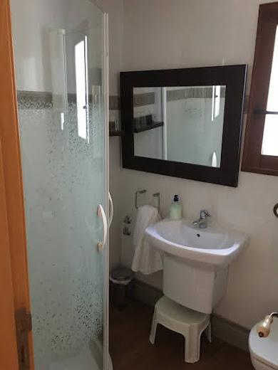Baño de la habitación.