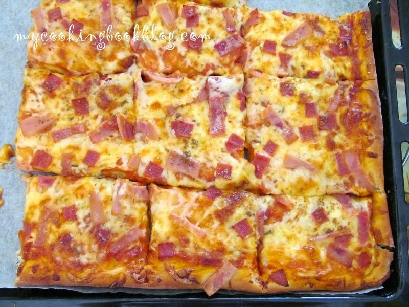 Тесто за пица и мекици с мая и сода бикарбонат