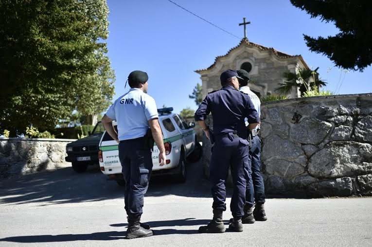 Filho do homicida de Lamego falha funeral da mãe a conselho das autoridades