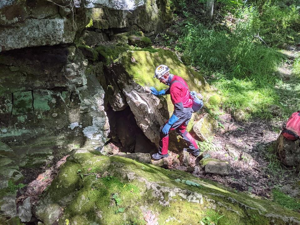 Crossroads cave entrance