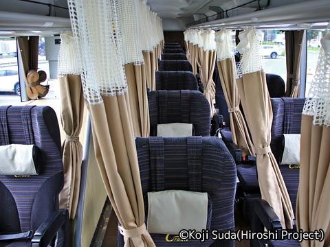西日本JRバス「北陸道グラン昼特急大阪号」 641-4934 車内
