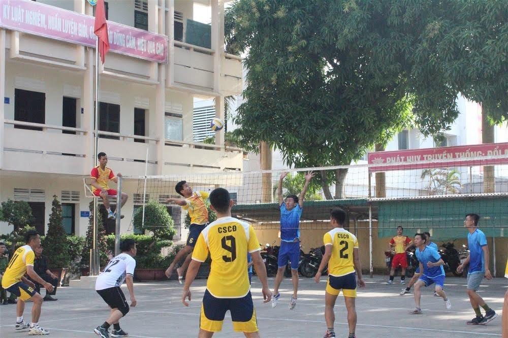 Các đội tham gia thi đấu