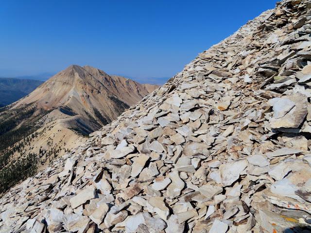 A decent trail through the rocks