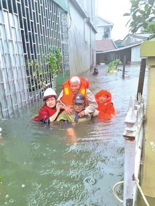 Công an Nghệ An tổ chức cứu nạn cứu hộ trong mùa mưa bão