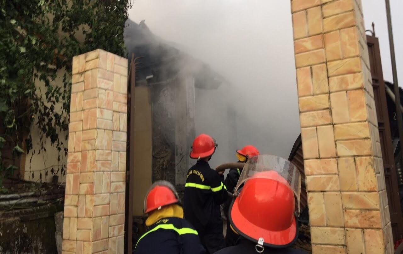 Đảm bảo an toàn cho người dân trong xóm, an toàn cho lực lượng và phương tiện chữa cháy