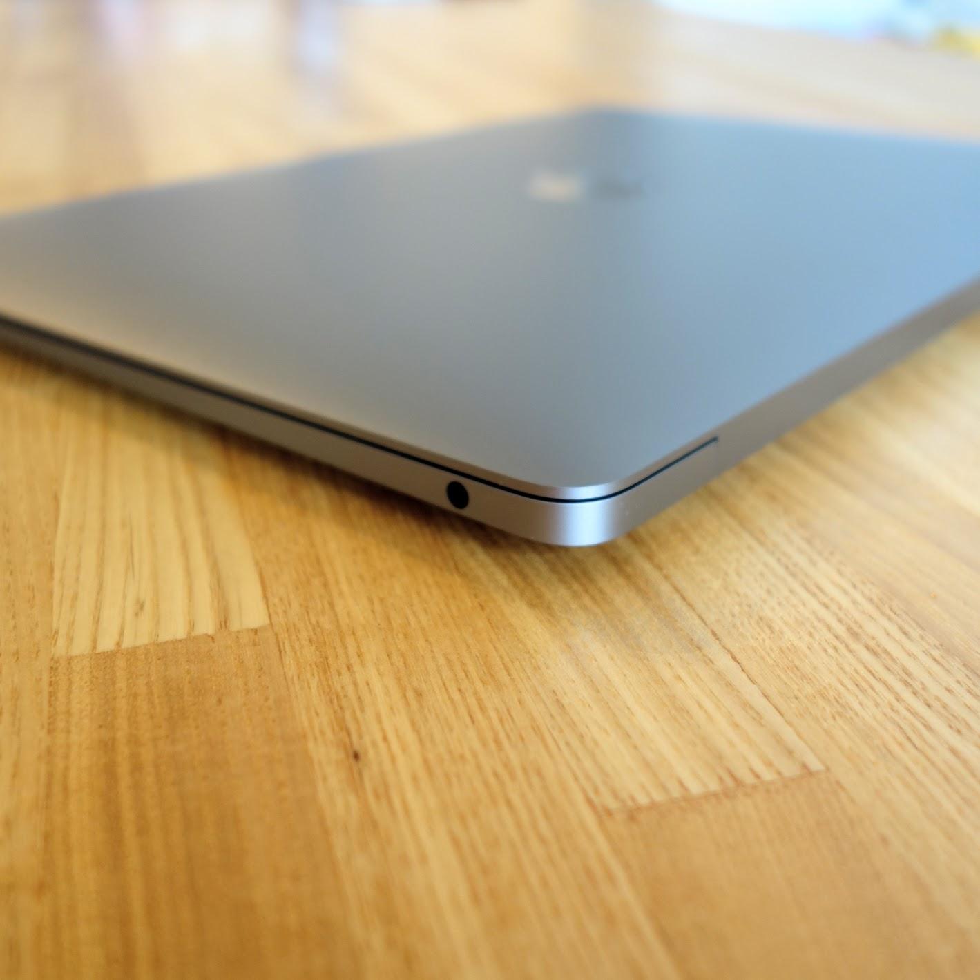 MacBook Air 2020イヤホンジャック