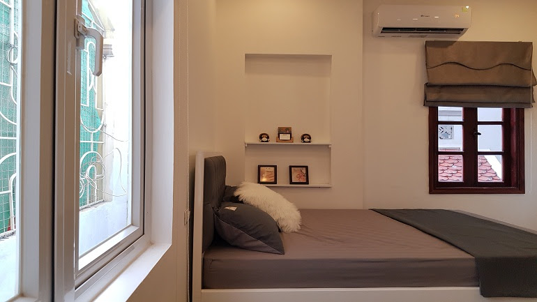 Brand – new studio apartment with cheap price in Doi Can street, Ba Dinh district for rent