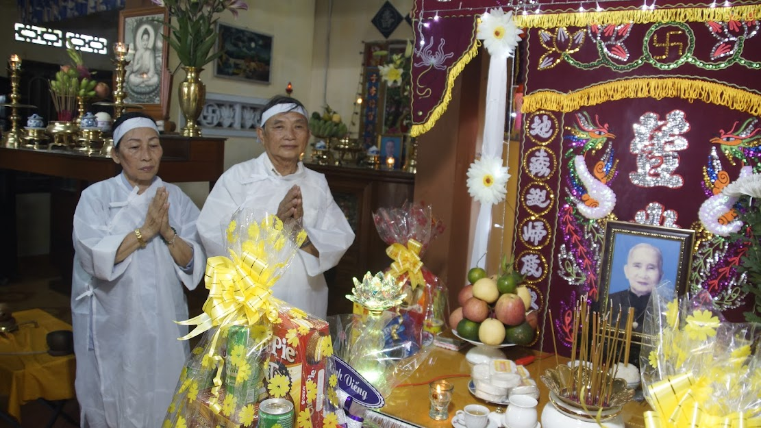 Viếng tang Nhạc mẫu của HTr Quảng Tu – Huỳnh Văn Tiến