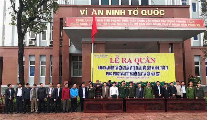 Các đại biểu tại buổi Lễ ra quân