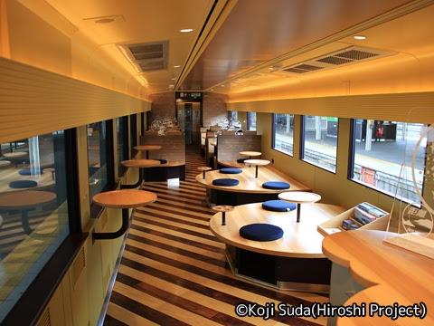 JR西日本 117系「WEST EXPRESS 銀河」 4号車 フリースペース_01