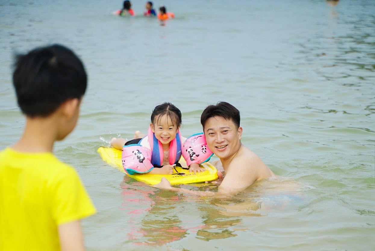 【旅遊】夏季親子共遊好去處 免門票 清涼消暑  基隆外木山大武崙白沙灘(疫情爆發前去的)