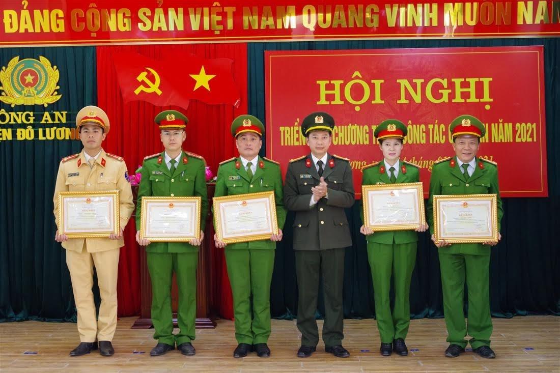 6 cá nhân được Bộ Công an tặng Bằng khen