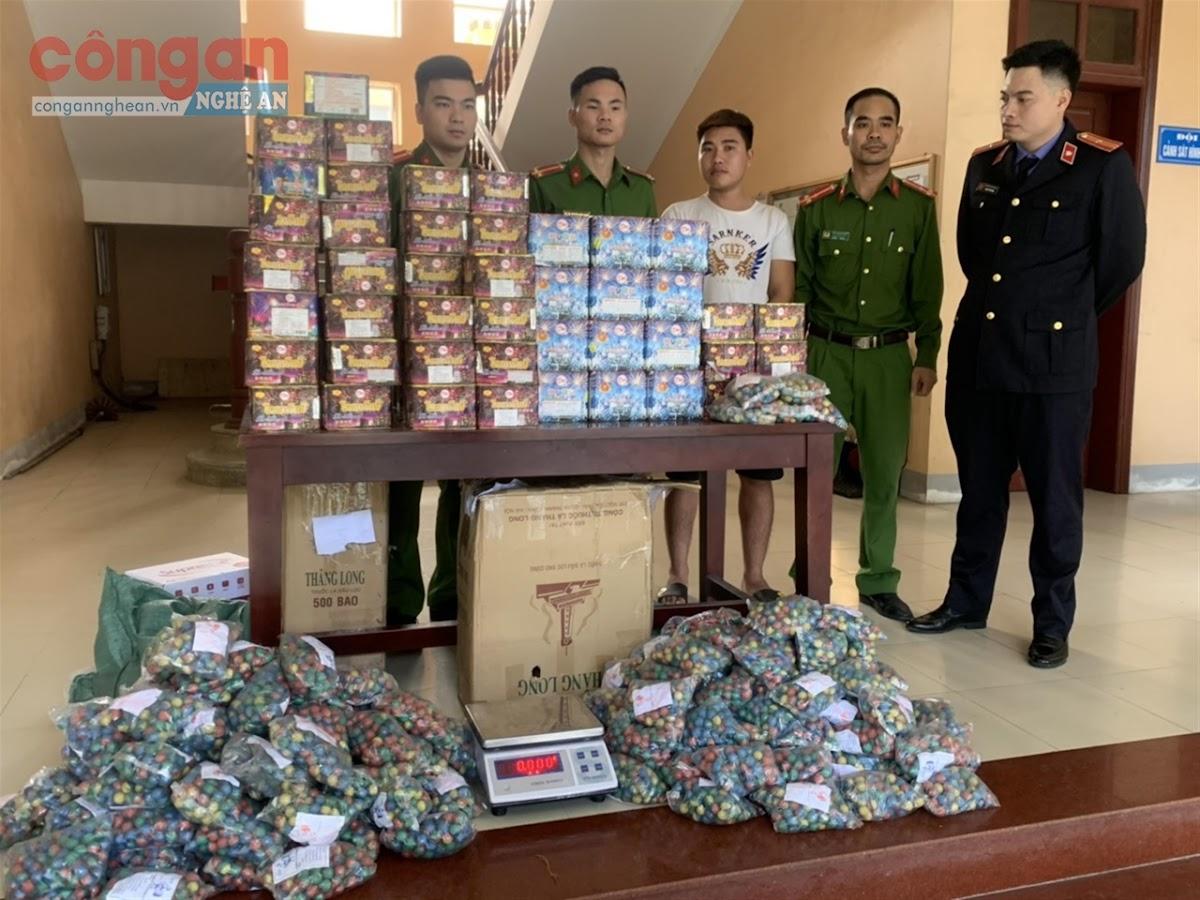 Công an xã Diễn Kỷ phối hợp với Đội Cảnh sát ĐTTP  về kinh tế, ma tuý Công an Diễn Châu bắt quả tang đối tượng có hành vi tàng trữ, vận chuyển 130 kg pháo trái phép