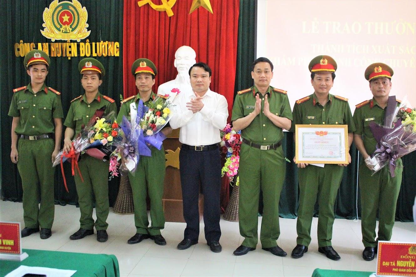 Hướng tới Đại hội Đảng bộ Công an huyện Đô Lương nhiệm kỳ 2020 - 2025, đơn vị đã thi đua lập nhiều thành tích xuất sắc, được các cấp khen thưởng, biểu dương