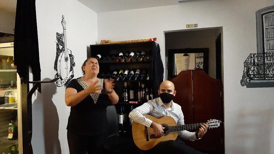 Alexandra Sousa en haar zoon Pedro Marques. Sabor a Fado mag weer open.