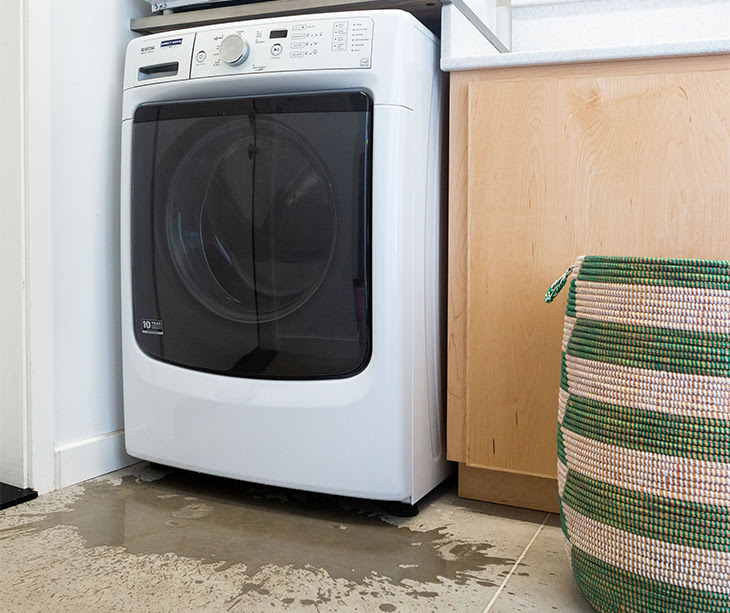 lắp đặt máy giặt trong phòng tắm có khả năng rò rỉ điện cao