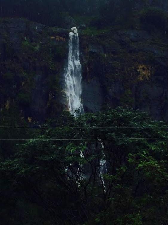 Lanka Ella Waterfall