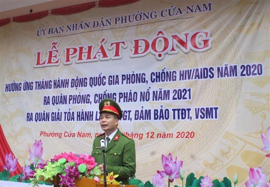Trung tá Phan Văn Thanh, Trưởng Công an phường Cửa Nam phát động hưởng ứng Tháng hành động quốc gia phòng chống HIV/AIDS 2020, ra quân phòng, chống pháo nổ 2021...