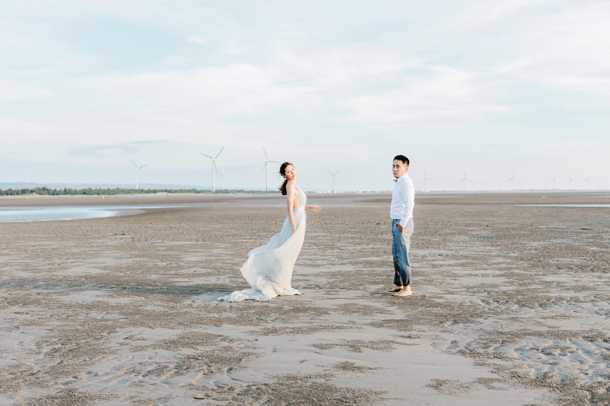 在海邊逐著光 , 拍攝Amazing Grace婚紗攝影 ,女攝影師 Janet