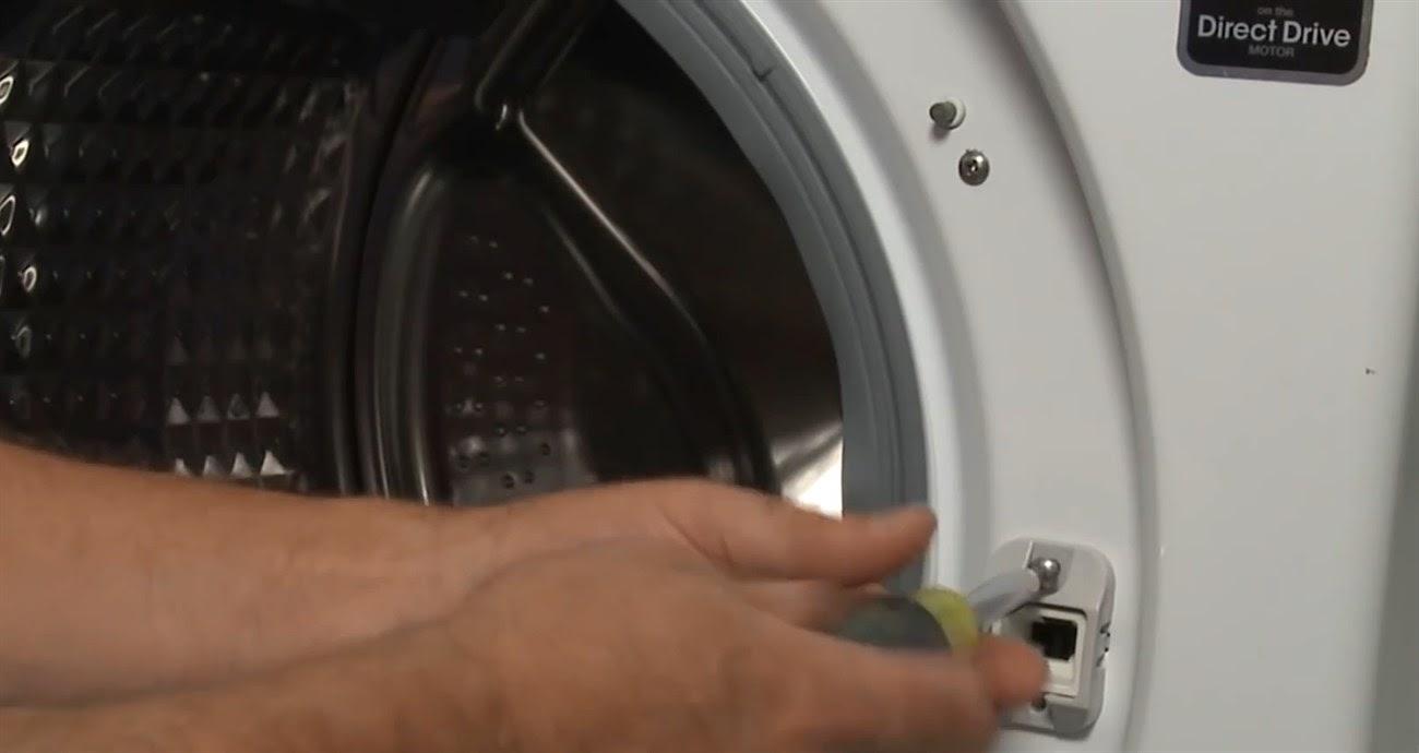 cửa máy giặt có không thể mở khi công tắc cửa bị hỏng